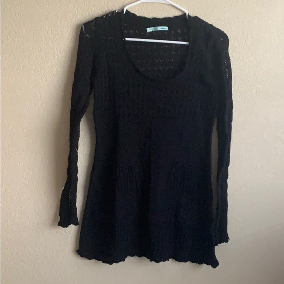 Maurices Size Large Black Sweater